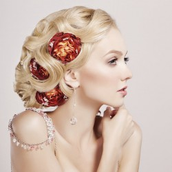 Hairstyle with roses